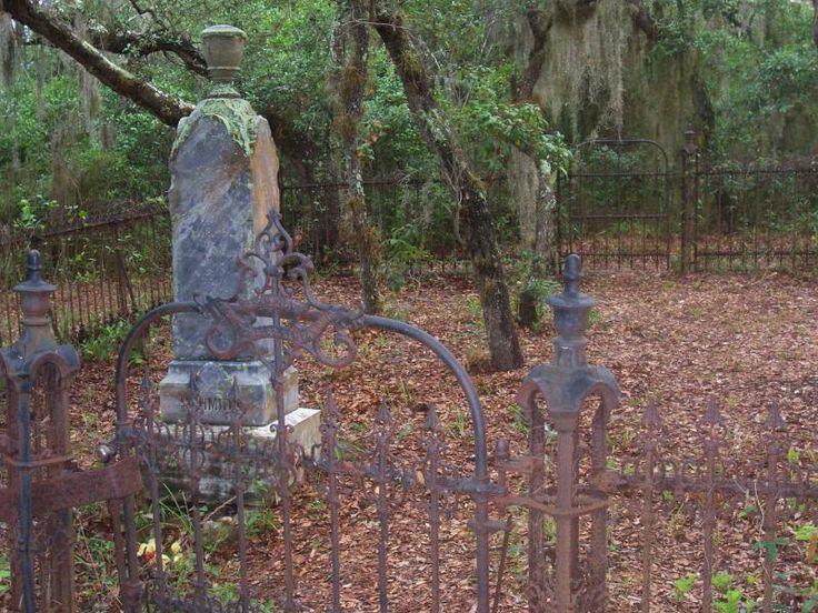 Old cemetery in Brooksville, Florida
