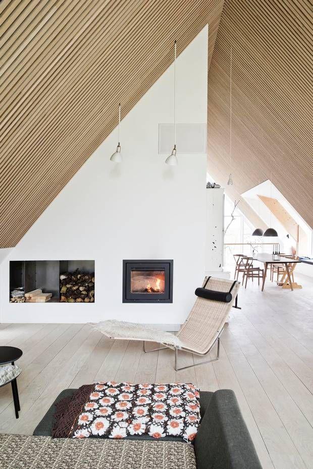 Akustiktrælofter er et eksempel på, at rummets akustik tænkes med allerede i begyndelsen af byggeprocessen. Foto: Christina Kayser Onsgaard/Danske BoligArkitekter