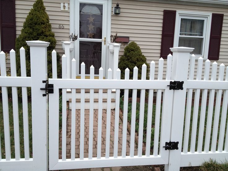 We help you to select the right vinyl fence materials for your property   Find out durable vinyl fence materials at great rates. 219 best PVC Fence for Garden images on Pinterest   Fencing  Fence
