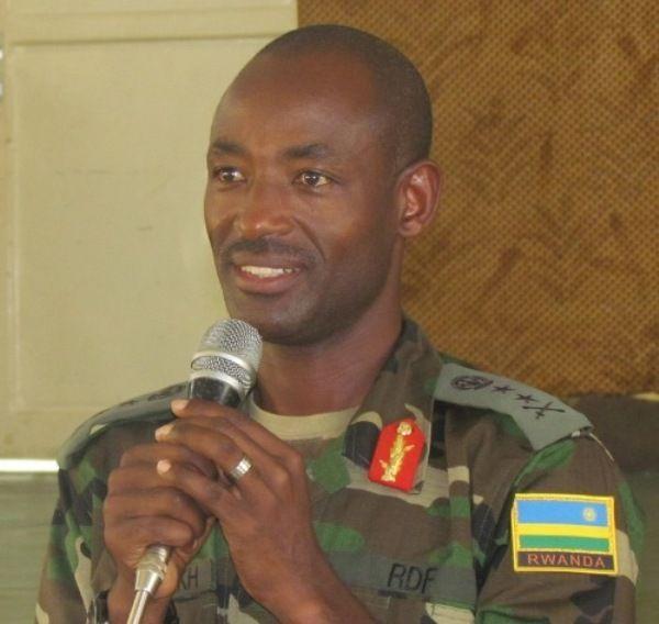 SHIKAMA   : General MUBARAKA MUGANGA nyuma yo kwigwizaho umutu...