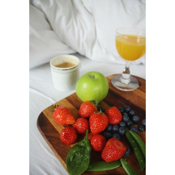 Breakfast in bed   On the blog :   http://oda-viktoria.squarespace.com/blog/2015/5/16/breaky-breaky