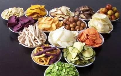 Gli alimenti per disintossicare e depurare il fegato in modo naturale - Depurare il fegato in modo naturale è fondamentale per il nostro benessere. Alcuni alimenti ci aiutano a farlo: asparagi, cereali integrali, limoni, pompelmo, avocado, verdura foglia verde.