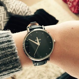 The Kensington Leather black | Montres Femmes | Nixon simplicity.