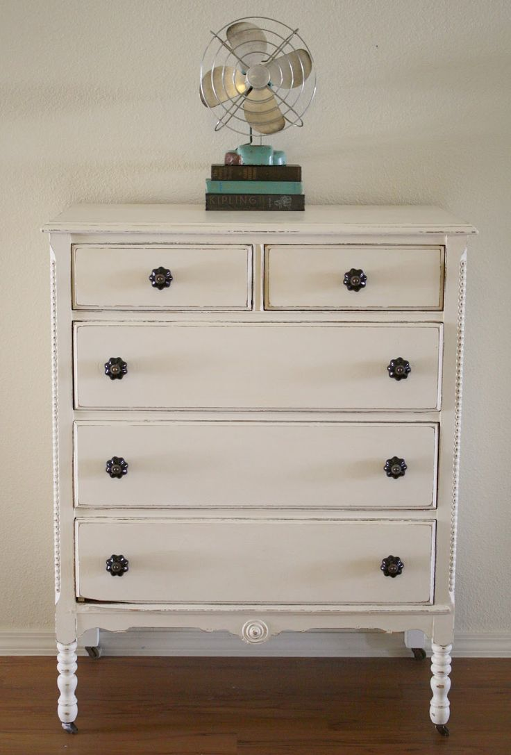 Diy painting furniture ideas - Furniture Makeover Mixing Up Diy Chalk Paint Recipes Colors