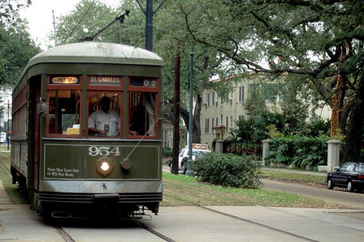 new-orleans-overview-garden-district-streetcar-full.jpg (800×533)