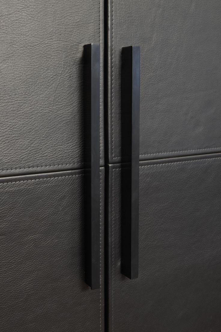 wardrobe handle #poignee #handle #interieur #deco #cuir #detail #architecte #decoration #placard #dressing