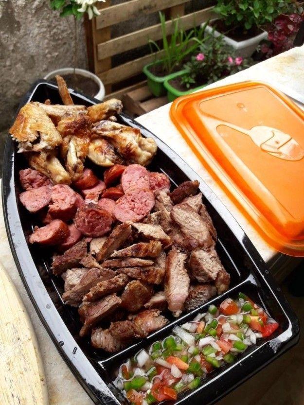 Barca de churrasco? Tem, claro. | O brasileiro cismou de servir todas as comidas do mundo em BARCAS