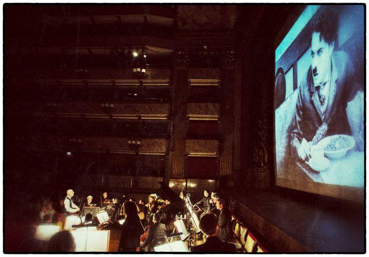 Gioco di sguardi - A looking game | Suonando Chaplin | Orchestra della Toscana | 25 aprile 2014