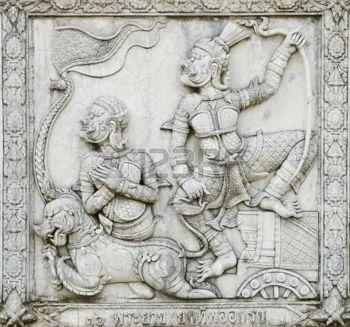 phananchoeng: Meisterwerk der traditionellen Thai-Stil Stuck Kunst alt zu Ramayana Geschichte auf dekorative Wand-Tempel im Wat Panan Choeng Tempel in Ayutthaya, Thailand. Weltkulturerbe