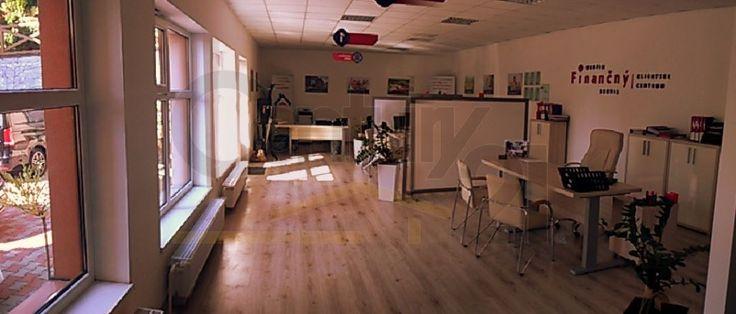 Century 21 REALITY MARKET s.r.o. ponúka na prenájom nové priestranné kancelárske priestory, o rozmeroch 100 m2, ktoré sú vzdialené od centra mesta Banská