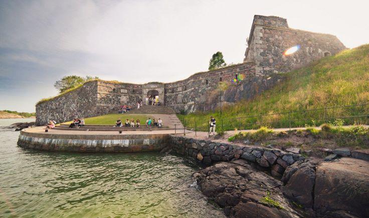 Sea fortress Suomenlinna is one of Helsinki's main attractions. (c) Jussi Hellsten/Visit Finland