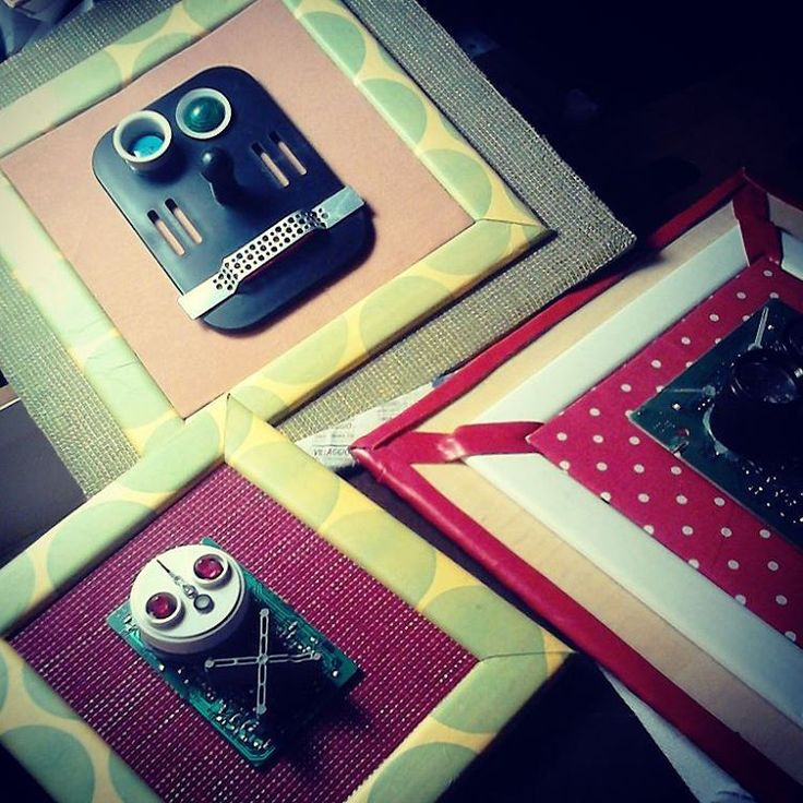 @malicescraftland on #instagram #quadretti #robottini #upcycle #upcycled #riciclocreativo #reciclajecreativo #arredamento #design #craft #handmade #fattoamano #furnishings #decor #interior #decorazione #casa #inaugurazione #regalo #gift #riciclati #riciclato #reciclados #creativenight #handmadewithlove #fattoamanoconamore  ----> Follow me: https://malicecraft.wordpress.com/   ----> instagam: www.instagram.com/malicescraftland/   ----> fb: www.facebook.com/MaliceCrafts