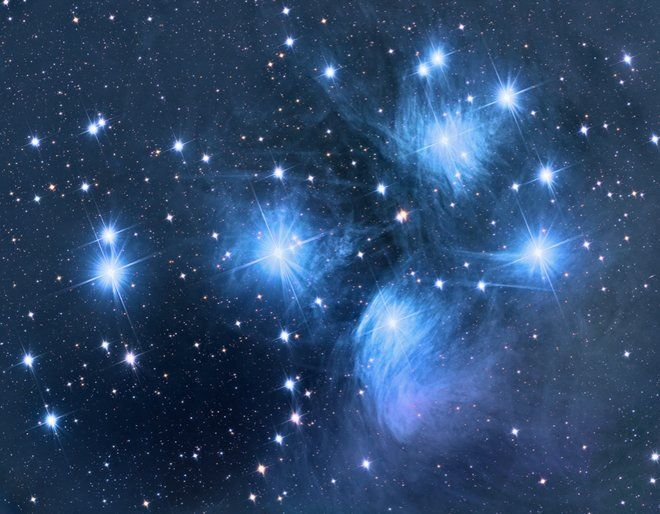 Hot Blue Stars of Pleiades Sparkle in Spectacular Photo