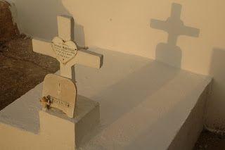 MEMORYWEBSITE: Končí ten čas...Korsické hřbitovy. Menhiry na Kors...