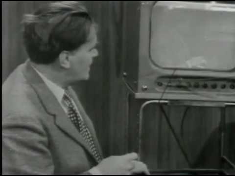 SVT Aprilskämt 1962 - Nylonstrumpan - YouTube.  Klipp sönder en nylonstrumpa och häng framför en svart-vit TV så får du färgTV,