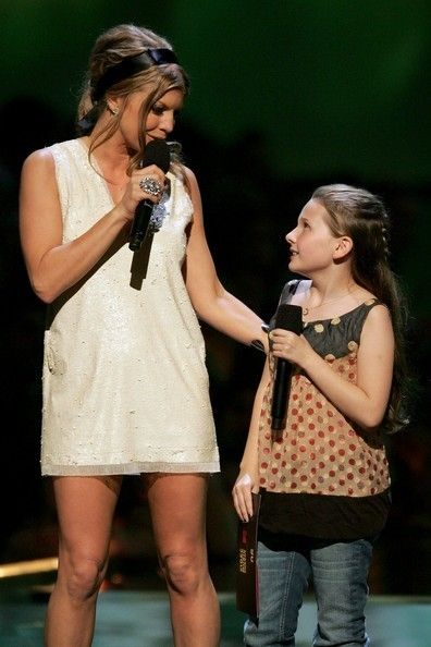 Abigail Bresnin With Fergie. Age: 10 years old - Then and Now: From 'Little Miss Sunshine' to 'Scream Queens' - Photos