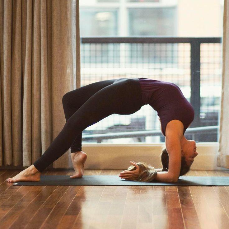 Straffe Brüste: 7 Yoga-Übungen für einen schönen Busen   BRIGITTE.de