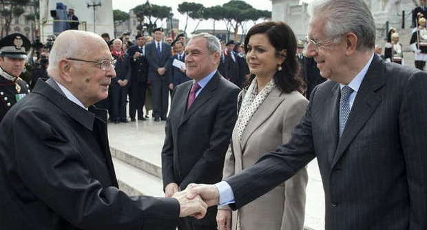 Oh #presidentenapolitano qui servono calci in #culo ad ogni singolo politico, se non peggio! #ilGazza