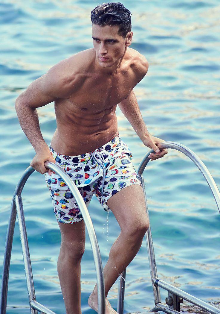 Capri, the island of dreams #zeybra #capri #mare #dreams #fashion #fabiomancini - Clicca per acquistare: store.clan.it