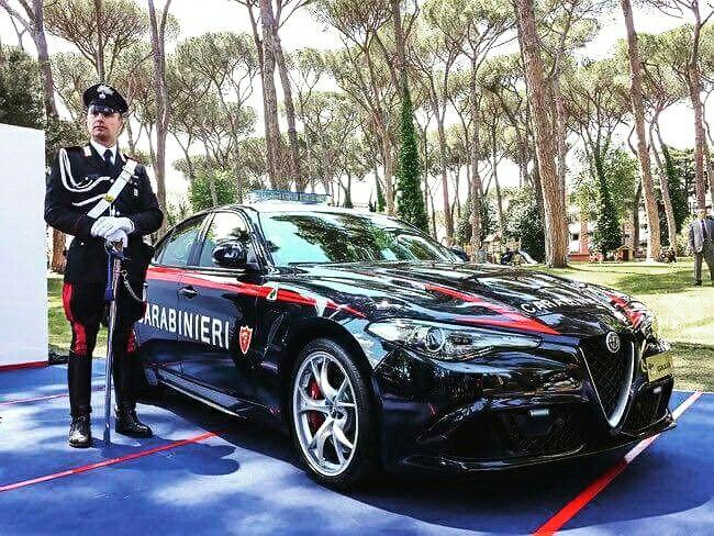 Nuova Alfa Romeo Giulia Qiadrifoglio per l'arma dei carabinieri! V6 biturbo 510 CV! Bella e aggressiva! #AlfaRomeo #Quadrifoglio #Giulia @alfaromeoglobal