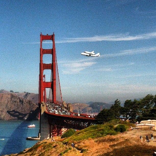 Space Shuttle Endeavor, Over Golden Gate                                                                                                                                                      Mais