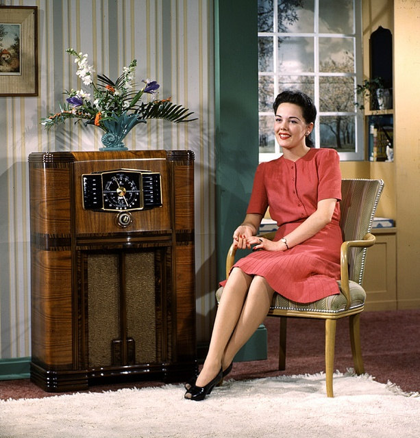 Enjoying a lovely evening at home with a good radio show. #vintage #1940s #woman #radio