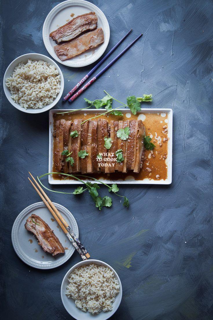 Hakka Kau Yuk (Pork Belly and Taro). Alternating l…