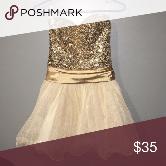 Homecoming dress Worn once, fits to size jcpenney Dresses Prom