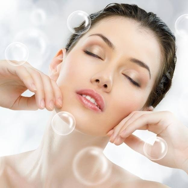 Oxygen skin care treatment reduces the effects of aging by nourishing your skin with essential vitamins, minerals, amino acids, enzymes, and pure oxygen, all of which are propelled deep into the skin, pore by pore. This holistic skin care treatment leaves the skin healthy, rejuvenated, and beautiful. Oxygen Facial - an exclusive treatment by Dr Simal Soin @ AAYNA.