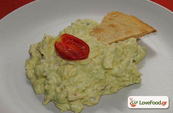 Αυγό και αβοκάντο, μαναρι μου τα κάναμε σαλάτα συνταγή από το loveFood. Δείτε και δοκιμάστε Συνταγές Μαγειρικής που αγαπάμε!