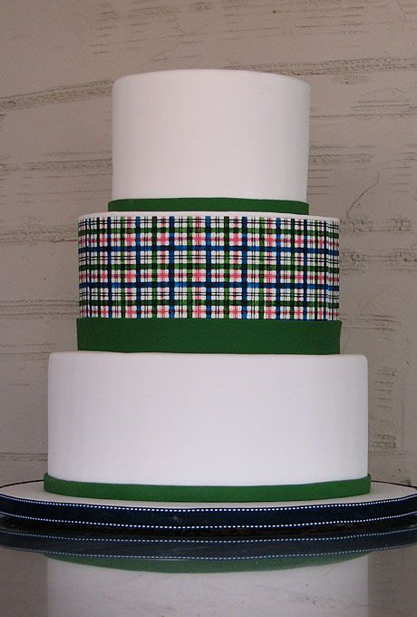 Wedding Cake green   #Preppy Wedding ... Wedding ideas for brides, grooms, parents & planners ... https://itunes.apple.com/us/app/the-gold-wedding-planner/id498112599?ls=1=8 … plus how to organise an entire wedding ♥ The Gold Wedding Planner iPhone App ♥