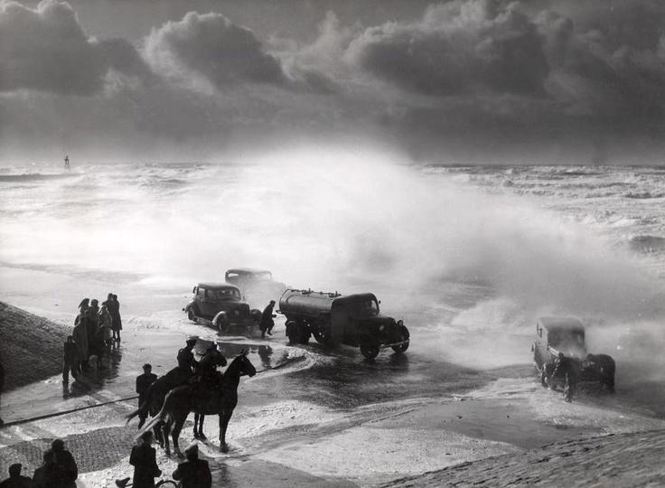 Scheveningen Storm 1953 op de Boulevard