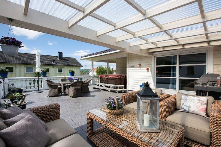 (1) FINN – Østre Gåseid - Flott enebolig med utleiedel, nyere bad og kjøkken. Garasje og store terrasser. Rolig beliggenhet