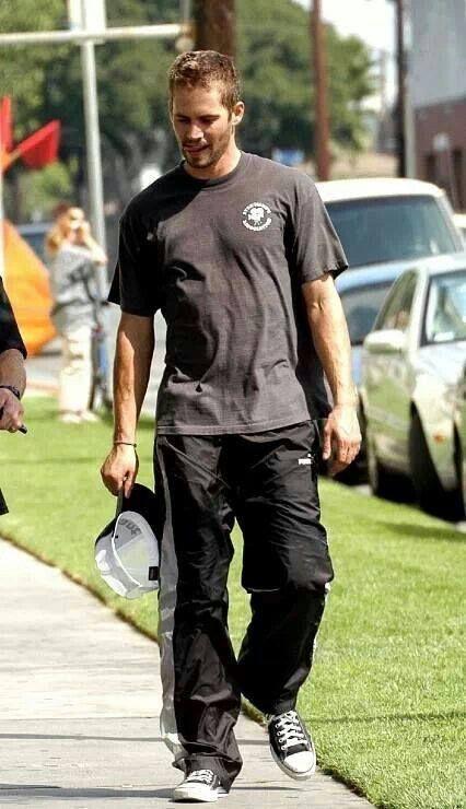 Paul Walker hot even dressed down :p