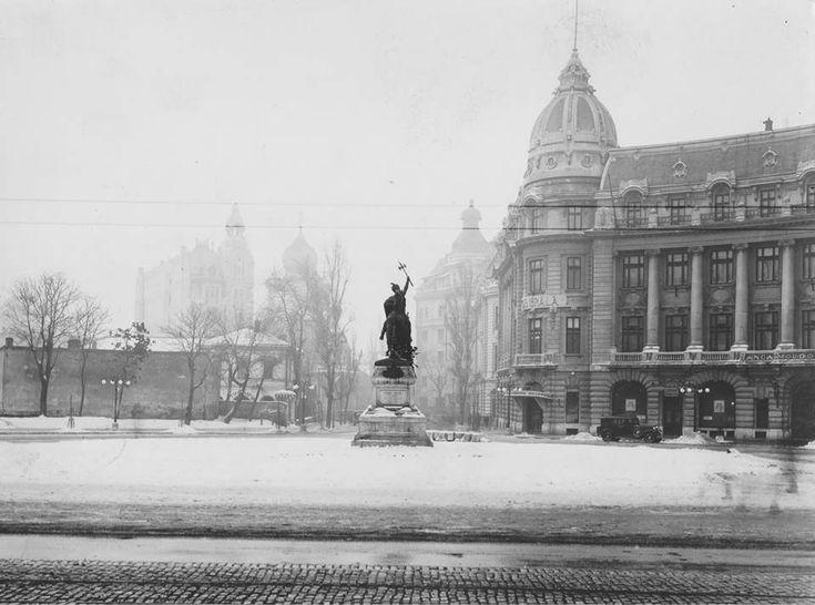 Piața Academiei (azi Piața Universității) într-o iarnă din anii '20. | Bucurestii Vechi si Noi