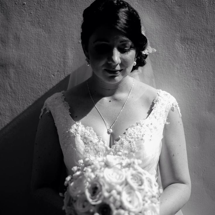 Vintage inspired wedding. Gown, hair & makeup by Ervan Woo, photography by Mott Visuals