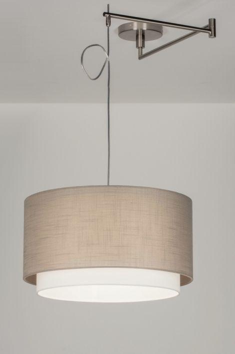 Home interior lights / ONLINE SHOP : click on this LINK ( www.rietveldlicht.nl ) Verzendkosten gratis . Geschikt voor LED  Stalen enkel lichts pendel. De pendel heeft een arm met 2 stangen die draaibaar zijn langs het plafond. Het snoer kan worden opgeknoopt met een elastiekje.   De kap van deze lamp bestaat uit twee kappen die over elkaar heen vallen. De buitenste kap is van taupe kleurige stof  ( grijs/bruin tint ) en heeft een linnen structuur. En wit .  Voor salontafel / eettafel /