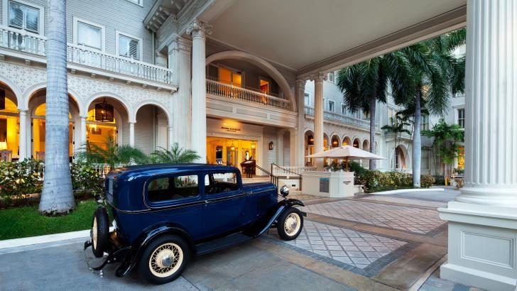 Den smukke entre på Moana Surfrider hotel, Hawaii