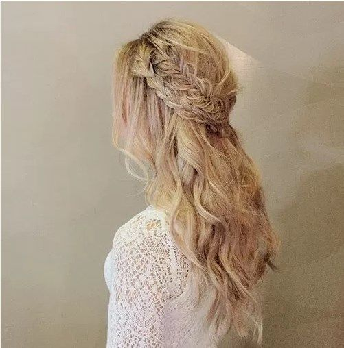 the 25 best haircuts for frizzy hair ideas on pinterest frizzy
