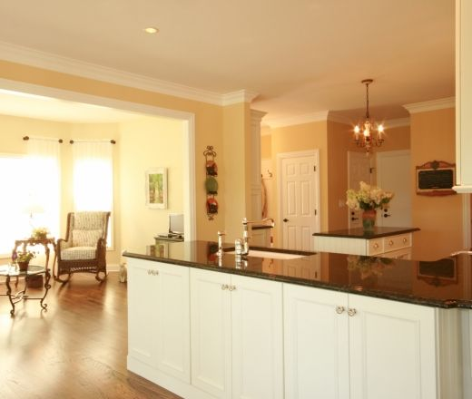 Kitchen Ideas With Yellow Walls: 1000+ Ideas About Pale Yellow Kitchens On Pinterest
