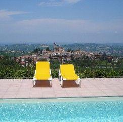 Castiglione Tinella huis - huis met 8 strandstoelen in Castiglione Tinella - 67540   HomeAway
