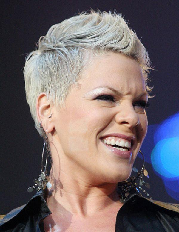 Frisuren Von Pink Frisurentrends Pink Singer Pink Haircut Pink Singer Hairstyles