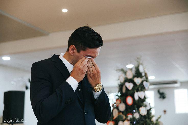 Cerimonia noivo chorando