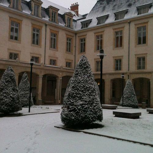 Bonjour Nancy ! Tous les jours à 10 h une nouvelle photo de la ville de Nancy - Ville de Nancy sous la neige - Fac de droit