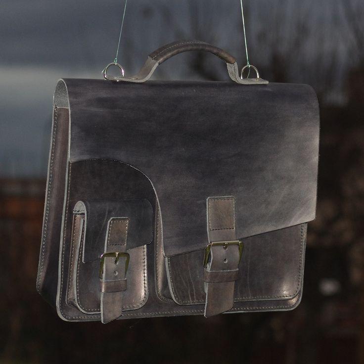 Unisex leather handbag
