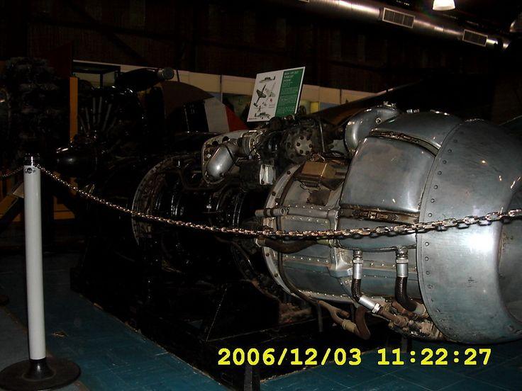 Triebwerk: Ein Triebwerk vom Typ Jumo 003, das auch für das Militärflugzeug Me 262 genutzt wurde, aufgenommen am 3. Dezember 2006 im War Museum in Johannesburg