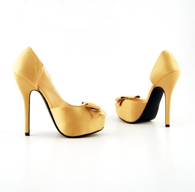 Pantofi Lovis Bej >> Click pe poza pentru a vedea pretul. #pantofi #pantofisenzationali #newfashionromania #pantofiieftini