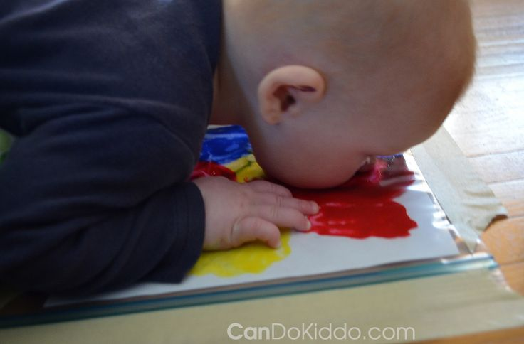 Sensory activity to keep little one entertained and prevent from rolling over during tummy time
