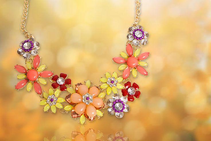 Flower Necklace - 2 Colours!