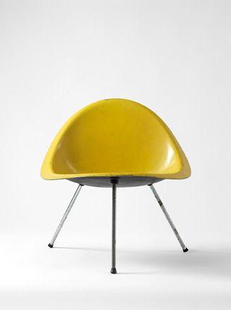 Shell Chair - Poul KjaerholmChairs Sofas, Vintage Chairs, Moldings Chairs, Poule Kjærholm, Unusual Furniture, Interiors Design, Poule Kjaerholm, Kjærholmshel Chairs, Shells Chairs